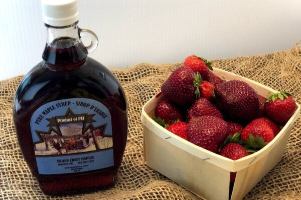 MAPLE SYRUP AND STRAWBERRIES FARM MARKET